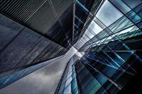 幻想的な都会の画像2